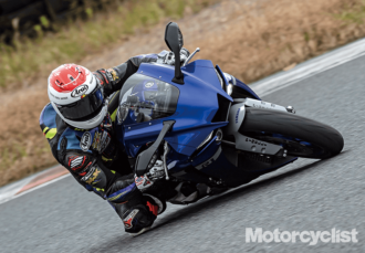 THE EDGE.「HONDA YAMAHA YZF-R1」 | motorcyclist 2021年1月号